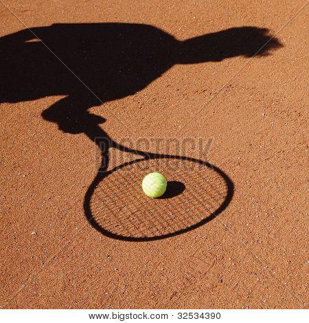 Shadow of a tennisplayer