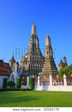 Wat Arun Temple Pagoda Important Landmark Of Bangkok Thailand With Beautiful Ight In Morning