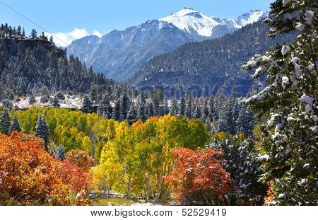 Beautiful autumn landscape between Ourey and Silverton in Colorado