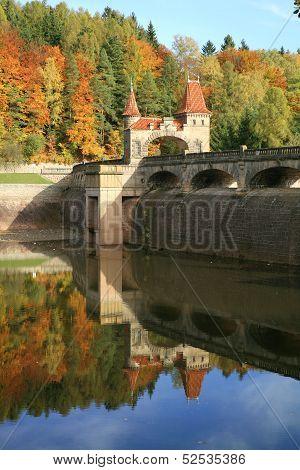 Picturesque autumn. Dam Les Kralovstvi in Bila Tremesna, Czech Republic