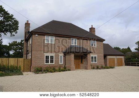 Modern Detatched House