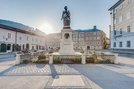 foto of mozart  - Mozart statue on Mozart Square  - JPG