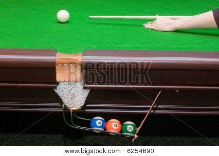 Hand auffällig mit Cue ball