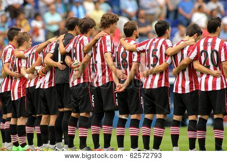 BARCELONA - SEP,23: Athletic Club Bilbao team in silence minute before a Spanish League match between RCD Espanyol vs Bilbao at the Estadi Cornella on September 23, 2013 in Barcelona, Spain