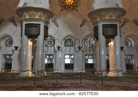 Sheikh Zayed Grand Mosque in Abu Dhabi, UAE