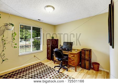 Ivory Office Room With Brown Furniture Set