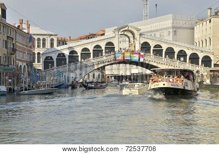 Vaporetto Crossing The Rialto Bridge