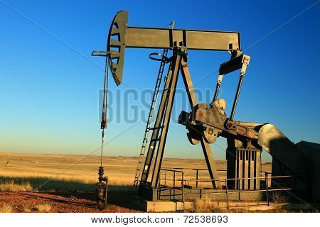 hard working oil horse