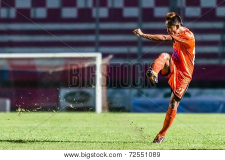 Sisaket Thailand-september 21: Jirawat Daokhao Of Sisaket Fc. Shooting Ball During Friendly Match Be