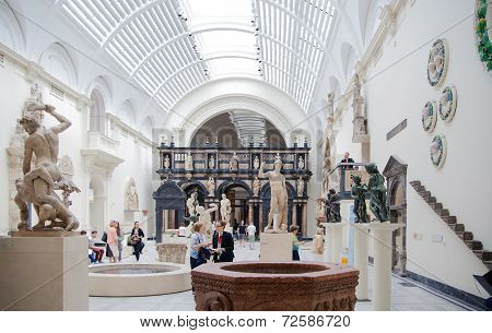 Exhibition hall of Victoria and Albert Museum.