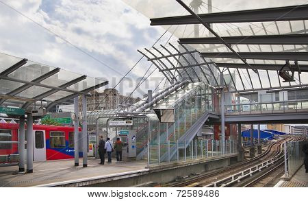 Canary wharf DLR station, business and banking aria