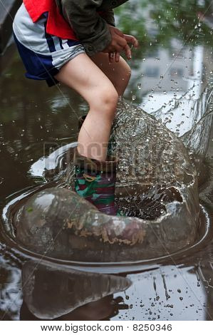 Child is splashing