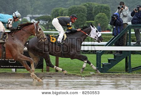 Cinder Cone Wins A Claiming Race