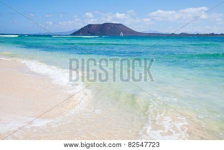 Northern Fuerteventura, Corralejo Flag Beach, Isla De Lobos And Lanzarote In The Background