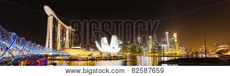 SINGAPORE - DECEMBER 10: Night view of a Marina bay December 10, 2014 in Singapore. Singapore skyline