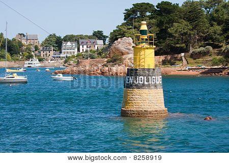 Porto da ilha de Brehat da Bretanha, França