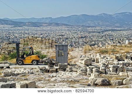Auto-loader On The Acropolis