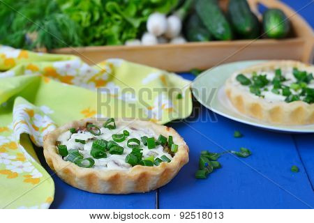 Mini Tarts With Green Onions, Bacon And Cottage Cheese