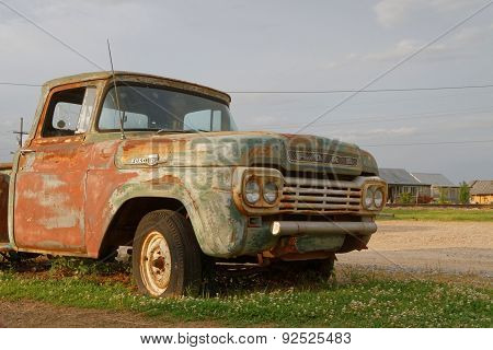 Old pick-up at Hopson Plantation