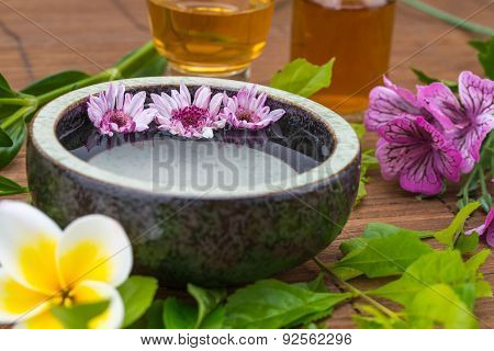 Flower Float On Water Bowl With Essential Oil For Health Spa