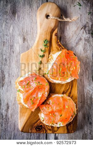 Sandwiches With Smoked Salmon With Cream Cheese, Green Onions