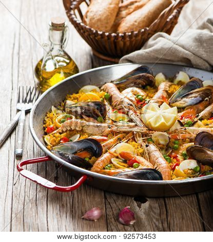 Vegetable Paella With Seafood