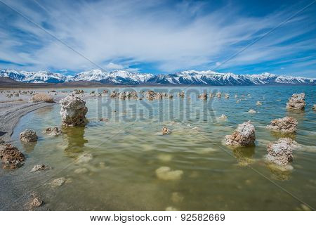 Shoreline Formations Of Mono Lake