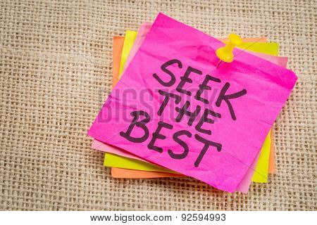 seek the best - motivational reminder on a purple sticky note