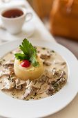 picture of veal  - Fricassee of veal in a mild cream sauce - JPG