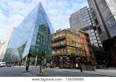 LONDON - OCTOBER 02: Unidentified people near Pub