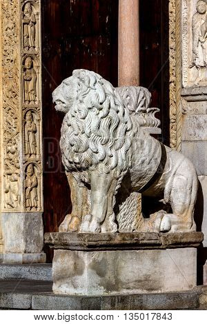 The lions at the entrance to the Modena Cathedral are dated 2nd Century AD and believed to be discovered while digging the Cathedral's foundations.