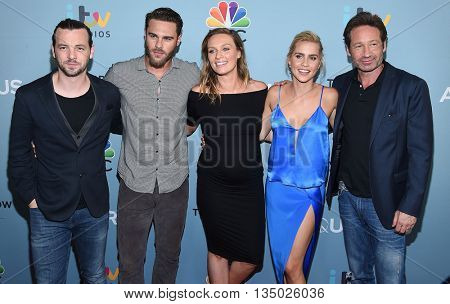LOS ANGELES - JUN 16:  Gethin Anthony, Grey Damon, Michaela McManus, Claire Holt & Davi arrives to the