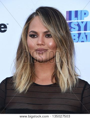 LOS ANGELES - JUN 14:  Chrissy Teigen arrives to the