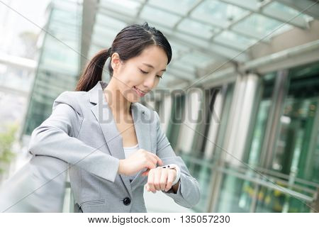 Business woman use of cellphone