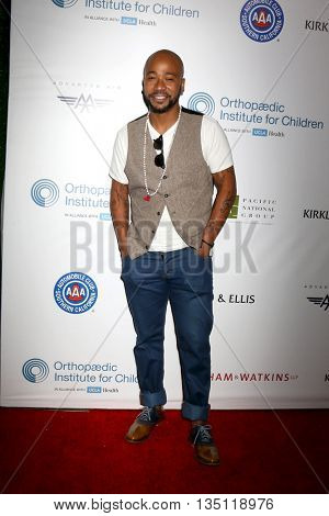 LOS ANGELES - JUN 18: Columbus Short at the Stand For Kids Gala at the Twentieth Century Fox Studios Lot on  ,  June 18, 2016 in Century City, CA