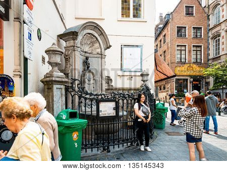 BRUSSELS, BELGIUM - June 16, 2016. The famous statue of a pissing boy of Brussels, Belgium, one of the most popular tourist destinations in brussel, Belgium.