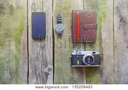 Things To Bring When Travelling Abroad, Phone, Camera, Watch, Note