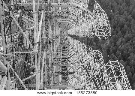 duga chernobyl 2 radar woodpecker black and white