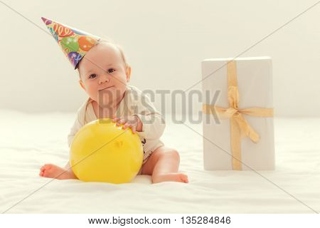 baby celebratng first year birthday