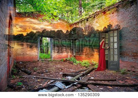 Love and beauty leave the old and ruined house
