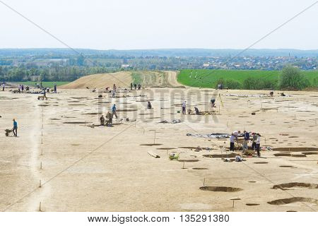 Large archaeological site digging