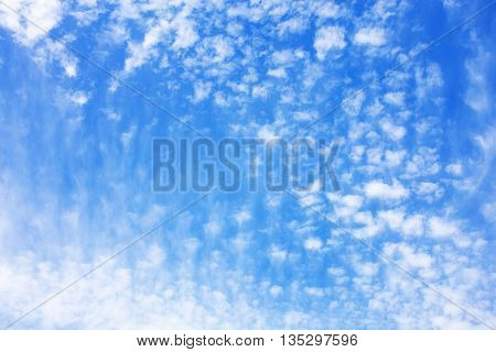 Cloudscape background with a natural falling effect.