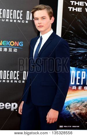 LOS ANGELES - JUN 20:  Garrett Wareing at the Independence Day: Resurgence LA Premiere at the TCL Chinese Theater IMAX on June 20, 2016 in Los Angeles, CA