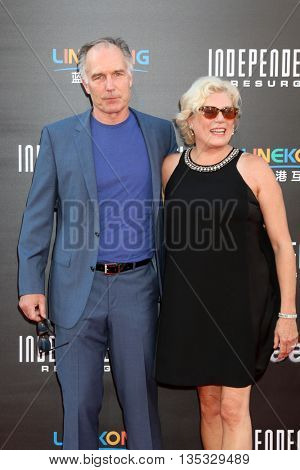 LOS ANGELES - JUN 20:  Tawny Moyer, Patrick St. Espirit at the Independence Day: Resurgence LA Premiere at the TCL Chinese Theater IMAX on June 20, 2016 in Los Angeles, CA