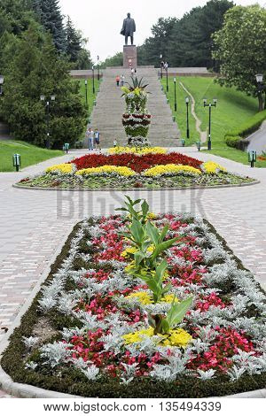 Lenin's square. Lenin's memorial and stairway and flowerbed