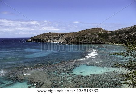 Beautiful Hanauma Bay, Hawaii With Surrounding Mountains