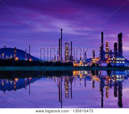 Petrochemical industry - Oil refinert and factory