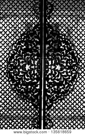 Intricate pattern on the doors of Paigah tombs