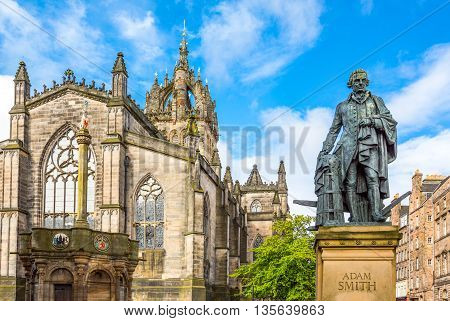 Great Britain Scotland Edinburgh The Royal Mile the apse of the St Giles Cathedral and the monument to Adam Smith.