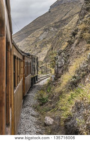 Nariz Del Diablo Train Trip Alausi Ecuador